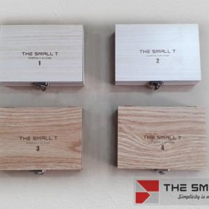 Combo 4 sản phẩm small T vỏ hộp móc khoá